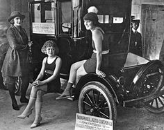 flappers in the 1920s | Posted on July 22, 2011 by David Greenlees