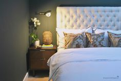 dark walls and upholstered headboard in a moody, masculine bedroom Forest Green Bedrooms, Green Bedroom Walls, Green Master Bedroom, Green Rooms, Home Bedroom, Bedroom Decor, Green Walls, Forest Bedroom, Bedroom Lamps