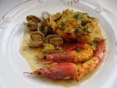 Le Chef, Shrimp, Meat, Food, Fish Recipes, Spanish Cuisine, Clams, Crock Pot, Homemade