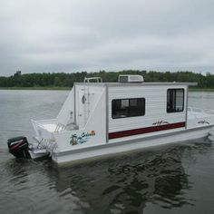 Pontoon Boats For Sale, Small Pontoon Boats, House Boats For Sale, Boat House, Liveaboard Boats For Sale, Tiny House, Small Houseboats For Sale, Agriculture Pictures, Trailerable Houseboats