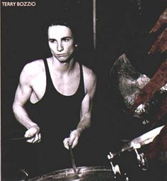 Terry Bozio Terry Bozzio, Frank Zappa, Snare Drum, Percussion, Artist Art, Gorgeous Men, Music Artists, Drums, Jazz