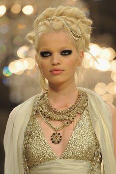 Chanel - Prefall 2012 - Daphne Groeneveld