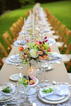 Great vintage table setting