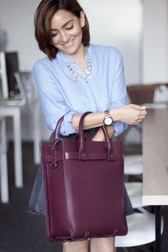 All in the Bag - Business Bags - Zara Leather Shopper with @Jasmin Schümann #sistermag9 #office #bags Office Bags, Office Fashion, Work Fashion, Power Dressing, Professional Women, Business Wear, Shopping Hacks, Office Style, Hermes Kelly