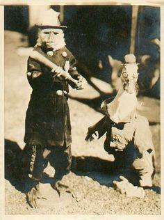 monkeypoliceman.jpg 443×595 pixels