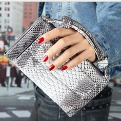 (26.88$)  Buy here - http://aipp8.worlditems.win/all/product.php?id=32791662829 - 2017 New Fashion Serpentine pattern Multifunctional Cow Leather Women's Messenger Bag Mini Clutch Bags Brand Design Shouler bags
