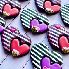 Heart Cookies, Cute Cookies, No Bake Cookies, Sugar Cookies, Valentines Gift Box, Valentines Day Cookies, Valentine Cookies, Royal Icing Cakes, Stylish Dress Designs