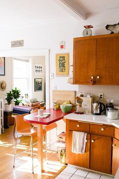 Julie and Andy's Bright, Happy Kitchen