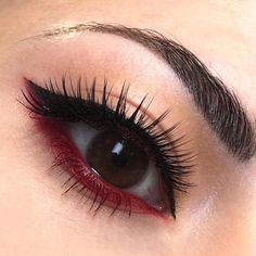 Red waterline looks amazing with a winged eyeliner! This loo.- Red waterline looks amazing with a winged eyeliner! This look by Chiara Cheyenne… – Red waterline looks amazing with a winged eyeliner! This look by Chiara Cheyenne… - Edgy Makeup, Makeup Eye Looks, Makeup Salon, Eye Makeup Tips, Makeup Inspo, Eyeshadow Makeup, Airbrush Makeup, Blue Makeup, Makeup Style