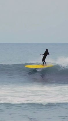 Kyle Albers surfing chest-head waves in California. surf video created by Lar Lar Chiggins in Cornwall Surfing, Surfing Wallpaper, Surfer Guys, Surfing Pictures, Sea Waves, Longboarding, Surf Style, Surfs, Destinations