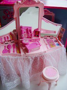 Barbie - Barbie Dream Glow Vanity, 1985 (my friend had this, we loved it)