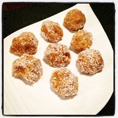Carrot Cake Paleo Balls for Easter Dessert! Thank you icookfree and Tiff for the pin :)