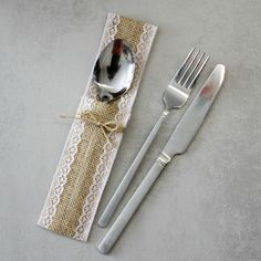 Jutová kapsička na příbory s přírodní mašličkou   Zboží prodejce wedding4you 37cb0832a9