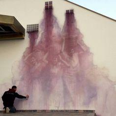 Тонкая грань между искусством и вандализмом.