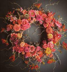 Chocolate Roses, Hot Chocolate, Crocosmia, Zinnias, Dahlias, Arte Floral, Floral Wreath, Wreaths, Leaves