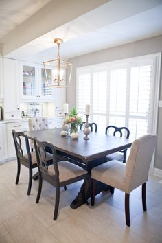 Kitchen table chairs upholstered home 59 ideas for 2019 Kitchen table chairs upholstered home 59 ide Vintage Dining Chairs, Kitchen Table Chairs, Kitchen Dining Sets, Dining Room Table, Table And Chairs, Dining Area, Kitchen Decor, Accent Chairs For Sale, Kitchen Storage Units
