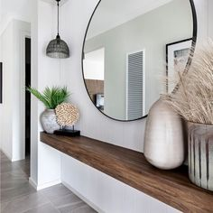 Entrance with large round mirror - With a floating wooden shelf, perfect .- Entrance with large round mirror – With a floating wooden shelf, perfect for narrow corridors! Decor, House Design, Interior, Home Decor, House Interior, Apartment Decor, Large Round Mirror, Home Interior Design, Narrow Entryway Decor