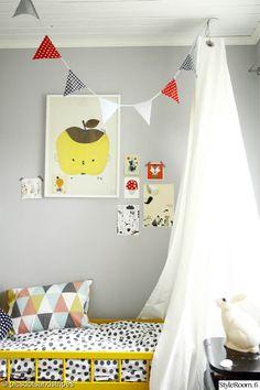 """Jäsenen """"Tiinakaisa_picsdotsandstripes """" lastenhuoneen yksityiskohdat ovat myös aikuiseen makuun. #styleroom #inspiroivakoti #lastenhuone"""