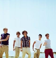 one direction http://media-cache9.pinterest.com/upload/209839663857303189_vxa1mO3p_f.jpg  ayashazhum me