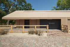 Design of new stables and renovation and interior design of two national monuments.