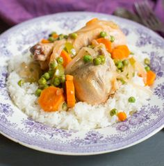"""Chilean Chicken Stew with peas and carrots """"Pollo Arvejado"""". A traditional comfort food in Chile. Best enjoy with rice or mashed potatoes. Healthy Dinner Recipes, Real Food Recipes, Healthy Snacks, Cooking Recipes, Rice Recipes, Recipies, Chilean Recipes, Chilean Food, Comida Diy"""