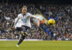Technique: Christian Eriksen bends his free-kick home to put Tottenham into the lead at White Hart Lane against West Bromwich Albion. British Premier League, Tottenham Hotspur Football, White Hart Lane, Fifa Football, West Bromwich, Free Kick, Great Team, Kicks, Soccer