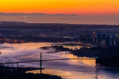 'Fogtober' sets Vancouver's driest October in 22 years (PHOTOS) Weather Records, Stuff To Do, Things To Do, Zombie Walk, Travelling Tips, Airplane View, Vancouver, Sunrise, Around The Worlds