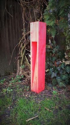 Witam  Do do sprzedania lampę z litego drewna ( modrzew, dąb ). Wymiary lampy 12x10x60cm, żarówka LED 3W/GU10/230V PHILIPS ciepło-biała, kolor jasno czerwony. Do wyboru różne kolory, szerokości,...