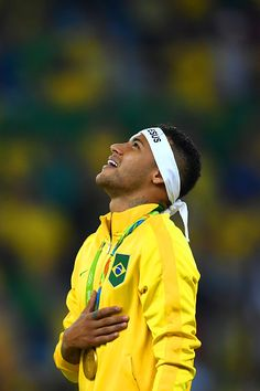 Neymar of Brazil celebrates with his gold medal after the Men's Football Final… Brazil Football Team, Football Final, Neymar Football, National Football Teams, Chelsea Football, Men's Football, Football Fever, Neymar Jr, Infp