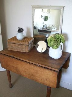 Drop leaf table with mirror Wabi Sabi, Vintage Furniture, Home Furniture, Diy Farmhouse Table, Farmhouse Interior, Drop Leaf Table, Shabby, French Country Decorating, Decorating Your Home