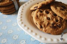 Galletas de vainilla con chips de chocolate Cookies, Desserts, Food, Gastronomia, Chocolate Chips, Deserts, Crack Crackers, Tailgate Desserts, Essen