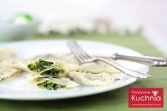 Fantastyczne #pierogi ze #szpinak.iem - #przepis na pierogi ze szpinakiem krok po kroku  http://pozytywnakuchnia.pl/pierogi-ze-szpinakiem/  #kuchnia #obiad