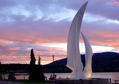 Kelowna Sails Statue at Sunset, Kelowna, BC Places To See, Places Ive Been, Canadian Travel, Sea To Shining Sea, Wine Country, British Columbia, The Help, The Good Place, Beautiful Places