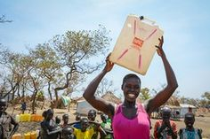 Ugandans give warm welcome to South Sudanese fleeing violence