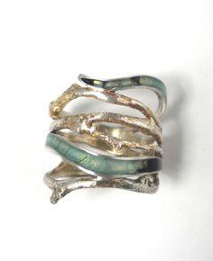 Dendro Splendida Ring. Carrie Bilbo, via Etsy.
