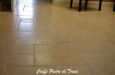 Pavimento In Pietra Di Trani : Trani gold stone pietra di trani pietra trani marmo trani