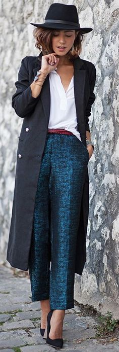 High Parisian, Street Style / fall fashion Inspiration. See similar @ http://topreviews.momsmags.net