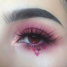 Summer's make up images from the web Edgy Makeup, Makeup Eye Looks, Eye Makeup Art, Cute Makeup, Pretty Makeup, Makeup Inspo, Eyeshadow Makeup, Eyeliner, Purple Eyeshadow
