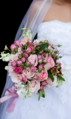 Veja seleção de buquês que combinam com o outono - Casamento - UOL Mulher
