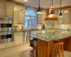 Corner placement of gas cooktop and hood...love it!   Double Oven Kitchen Design, Pictures, Remodel, Decor and Ideas - page 8