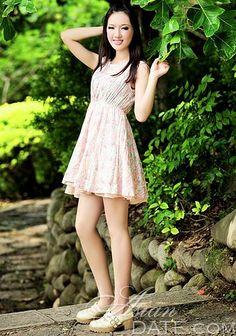 Datar a mulher dos seus sonhos: namoro mulher consideravelmente asiática Li