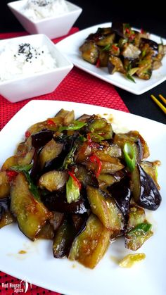 Stir-fried aubergine in plum sauce (苏梅酱茄子) Creamy and luscious, stir-fried aubergine in plum sauce is a dish to die for. This recipe tells you how to achieve the desired texture using a minimum of oil. Vegetable Dishes, Vegetable Recipes, Vegetarian Recipes, Eggplant Dishes, Eggplant Recipes, Stir Fry Recipes, Cooking Recipes, Keto Recipes, Healthy Recipes
