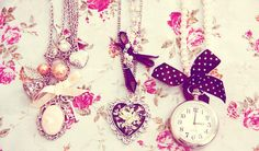 wallpaper-quotes-girly-chains-cute-fashion-girly -hearts-favim.com-140595-30tdsgw9qe2h87fg0zduru.jpg