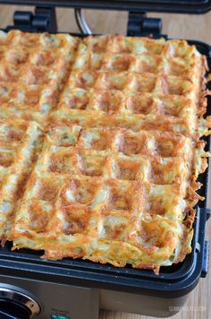 Weight Watchers and Slimming World Recipes Syn Free Cheese and Ham Stuffed Hash Brown Waffle Slimming World Hash Brown, Slimming World Waffles, Hashbrown Waffles, Potato Waffles, Chicken Curry, Chicken Soups, Slimming World Recipes Syn Free, Waffle Maker Recipes, Bonbon