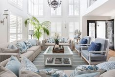 21 Insanely Gorgeous Hamptons Style Living Rooms to Inspire You, House interior, Hamptons Living Room, Coastal Living Rooms, Home Living Room, Living Spaces, Die Hamptons, Hamptons Style Decor, Hamptons Beach Houses, Hamptons Style Bedrooms, Style At Home
