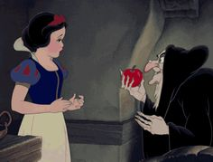 Disney Films, Disney Characters, Disney Quiz, Disney Princesses, Hedgehog Facts, Snow White 1937, Snow White Apple, Disneyland Secrets, Happy End