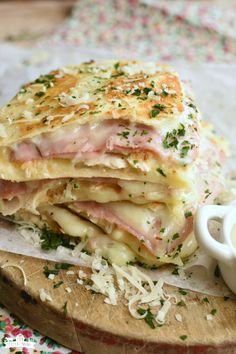 This Homemade Dish Is Crispy And Delicious, Filled With Cheese And Ham. It Is An easy Version Of The Famous French Meal That Is Ready In About One Hour. . Appetizer Recipes, Dinner Recipes, Breakfast Recipes, Pancake Recipes, Breakfast Sandwiches, Waffle Recipes, Appetizers, Cooking Recipes, Healthy Recipes