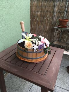 Flower pot cake Flower Pot Cake, Flower Pots, Flowers, Cakes, Home Decor, Flower Vases, Plant Pots, Decoration Home, Cake Makers