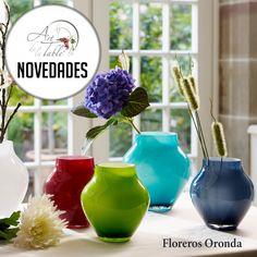 Alegra tu hogar con los coloridos floreros de la línea Oronda de Villeroy & Boch. Puedes encontrarlos en nuestras tiendas de Vitacura. Art de la Table...El arte llevado a tu mesa. #VilleroyBoch #ArtdelaTable #vajilla #luispasteur #vitacura #alonsodecordova #lobarnechea #mantelesfinos #mantelesantimanchas #vajillaeuropea