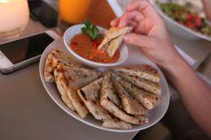 Greek Food in Santorini Best Body Shapewear, Zoella Beauty, Greece Holiday, Fun Cooking, Greek Recipes, Santorini, Delish, Health Fitness, Eat